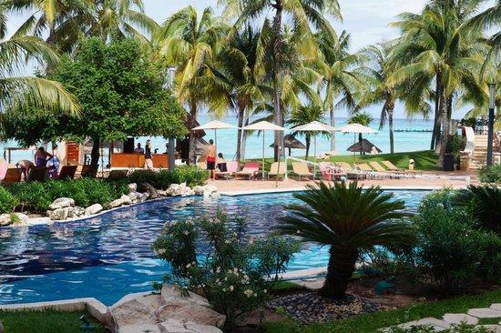 Grand Fiesta Americana Coral Beach Cancun : very large pools