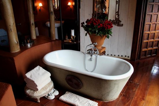 andBeyond Ngorongoro Crater Lodge: Loved the roses!!