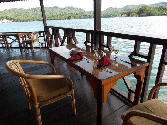 Kungkungan Bay Resort: Our favorite breakfast table