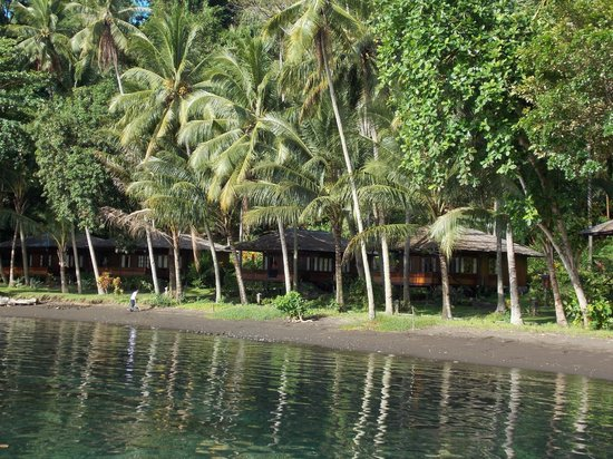 Kungkungan Bay Resort: View from the dive dock