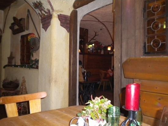 Tiroler Bauernkeller : la taverna !!!