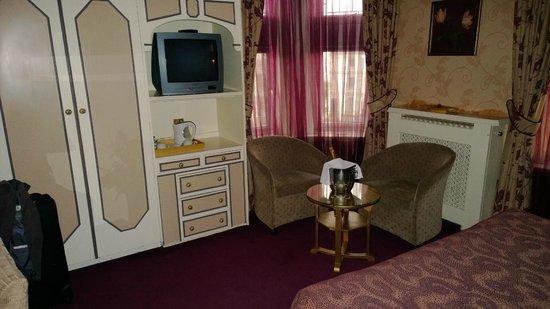 Best Western Plus Burlington Hotel: Upgraded Room