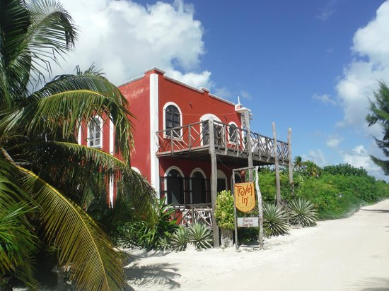 Travel in': Quaint little restaurant, a gem of Majahual.