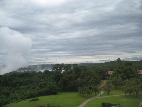 Melia Iguazu Resort & Spa: View of the falls from room