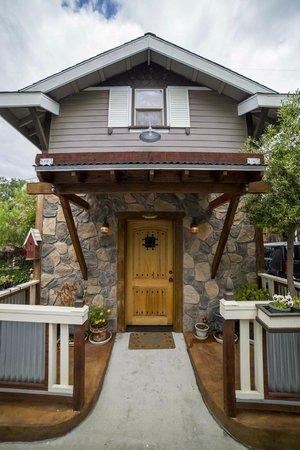 ForFriends Inn: Carmichael Cottage
