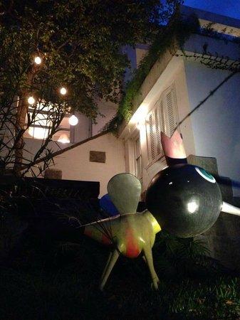 Casa mosquito by night