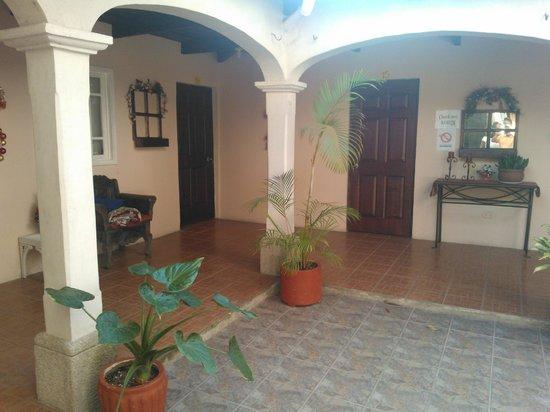 Hotel Los Encuentros : El patio interior
