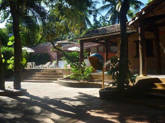 Travel Inn Village Arraial: Escada de acesso a piscina