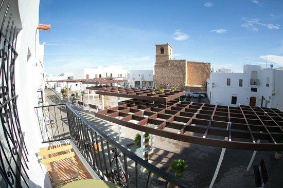 Hostal El Olivar : Plaza Frontón, delante del hotel