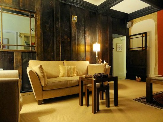 Abbots House : The lounge