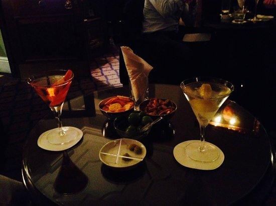 Dukes Bar : Worth waiting for.