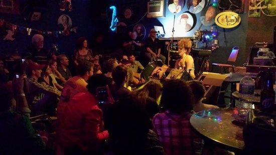 Bradfordville Blues Club: Cassie Taylor's closing number at the BBC (June 2013).