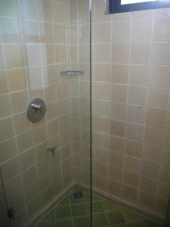 Baan Hanibah: Salle de bains/Double room