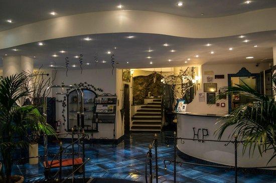 Positano Art Hotel Pasitea: Reception hall