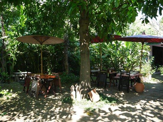 Baan Hanibah: Jardin du petit-déjeuner