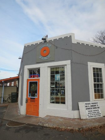 Sugar Shack Donuts: View from Outside