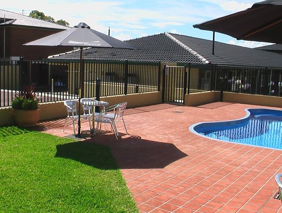 Maitland City Motel: Pool Area