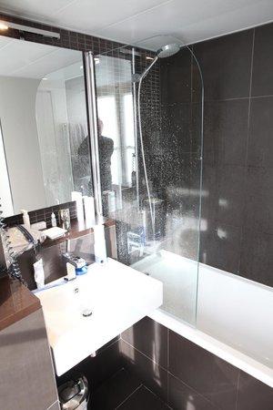 Hotel Duo : Bathroom
