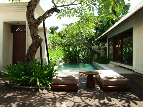 The Royal Santrian, Luxury Beach Villas: Private villa pool