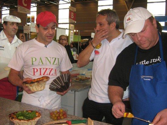 Chatillon en Bazois, France : André panzi  championnat de France de pizza