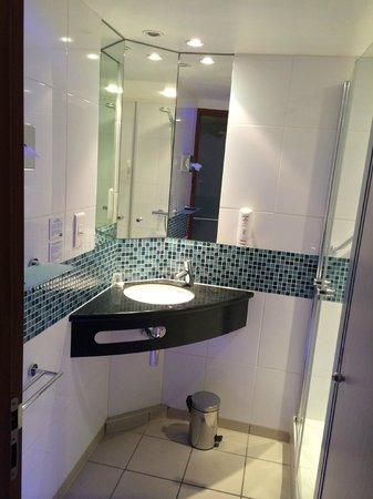 Holiday Inn Express Paris-Canal de la Villette : Propre et fonctionnel