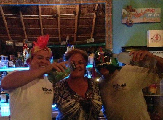 Bahia Tortuga Restaurant - Bar: Bahia Tortuga