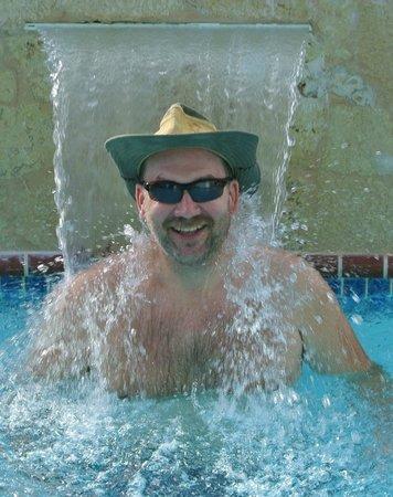 Casa Libre Puerto Rico: refreshing pool waterfall