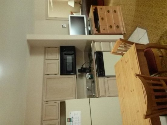 Homewood Suites Dallas/Lewisville : kitchen area