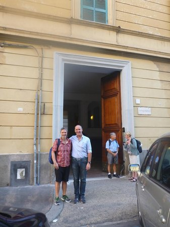 Rome Armony Suites: Lucca and myself outside the entrance to the B & B
