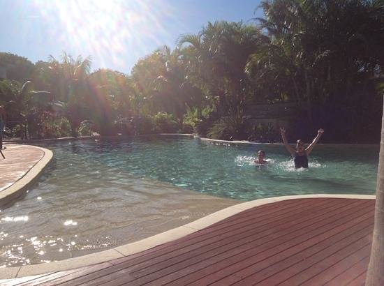 Mobys Beachside Retreat: pool fun