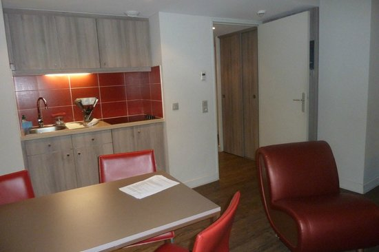 Adagio Aix-en-Provence Centre: Mini cozinha-apartamento grande