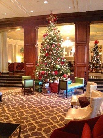 The Hotel Roanoke & Conference Center, Curio Collection by Hilton: Christmas