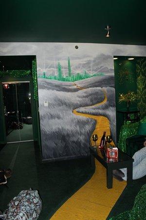 The Roxbury, Contemporary Catskill Lodging : Emerald City