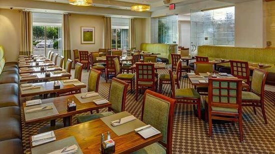 DoubleTree by Hilton Hotel Irvine - Spectrum Hotel Restaurant