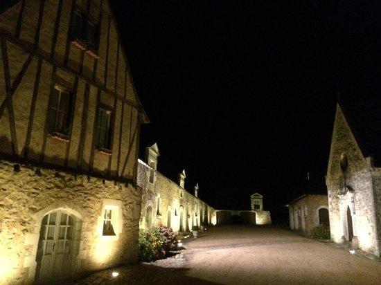 Château de Noirieux: Night view