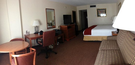 Holiday Inn Express El Paso - Central: King Bed Studio