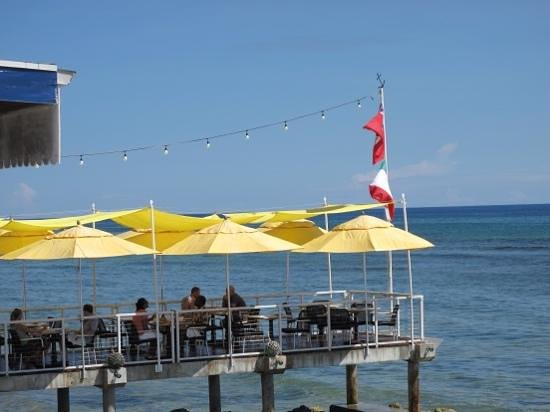 The Lighthouse Restaurant: lunch on the dock, priceless