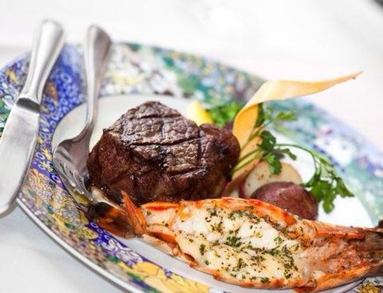 The Lighthouse Restaurant: surf and turf