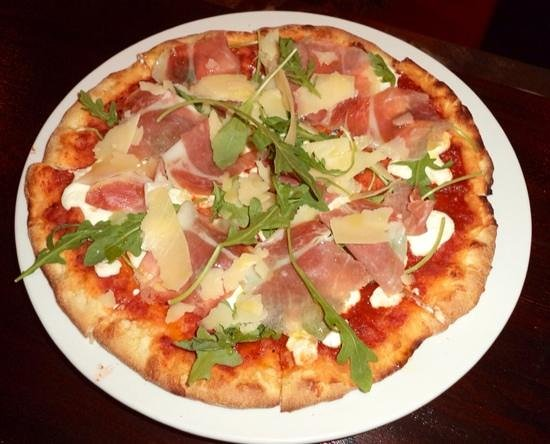 """Lighthouse at Breakers: new brick oven pizza """"captain G"""" pizza"""