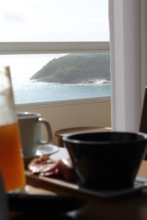 Sofitel Guarujá Jequitimar : Breakfast in our room... with a view !