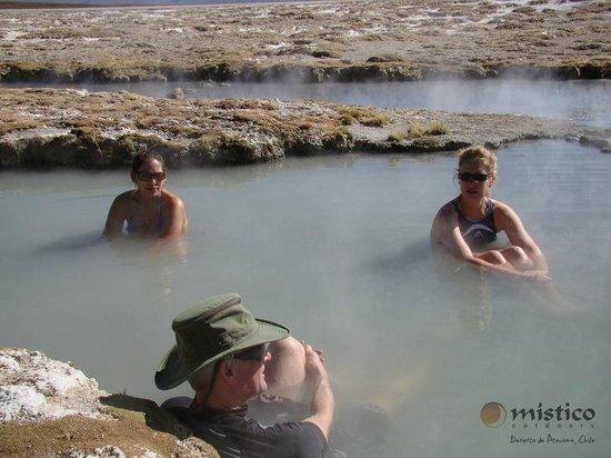 Místico Outdoors: Polloquere hotsprings at Surire salt flat