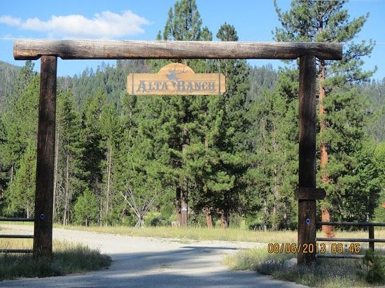Entrance to Alta Ranch