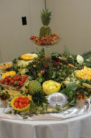 Pelion, Carolina Selatan: Fruit Display at my Sons' Wedding Rehearsal Dinner
