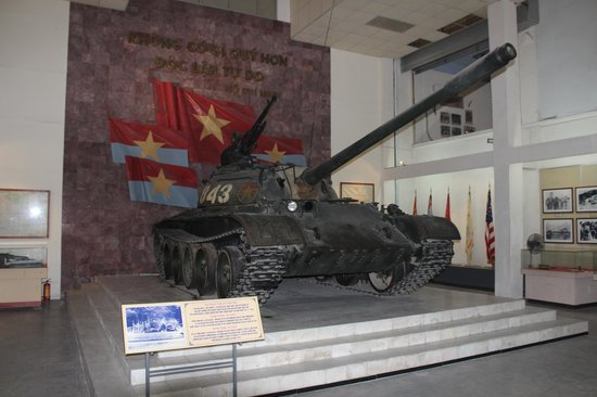 Musée d'histoire militaire du Viêt Nam : The Tank that crashed through the Palace Gates