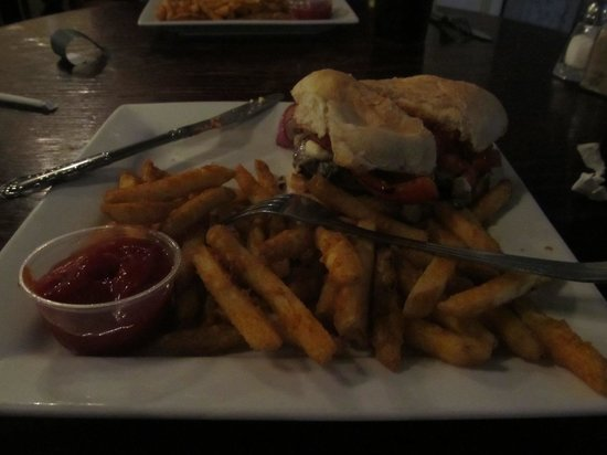 Seagles Restaurant: Italian Burger with Fries