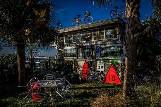 Low-Key Hideaway: The Tiki Bar