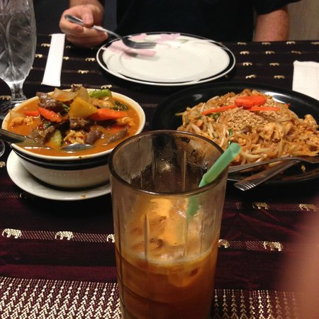 Sombat's Fresh Thai Cuisine: Mmm, mm, mm. Yum!