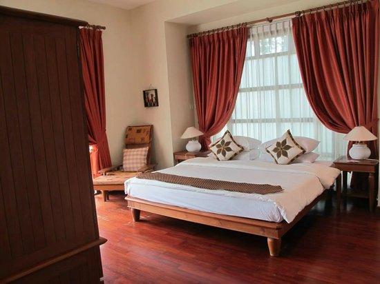 Nirwana Gardens - Indra Maya Pool Villas: master bedroom