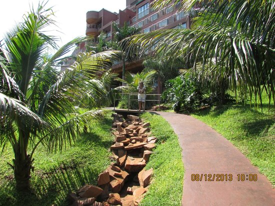 Amerian Portal del Iguazu: Camino a zona recreativa