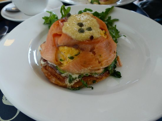 Jackman & McRoss: Smoked salmon with scrambled eggs on pastry